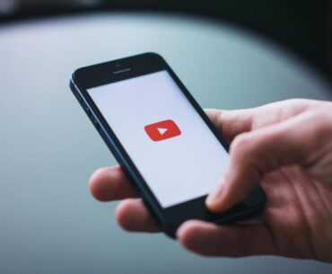 earning money on YouTube by uploading videos